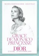 CPM Grace De Monaco Princesse En Dior - Exposition Musée De Granville 50 - Dos Imprimé 2019 - Case Reali