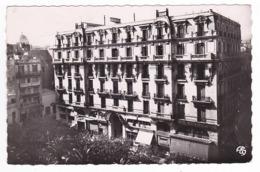 Algérie ORAN N°21 Le Grand Hôtel Et La Place De La Bastille En 1952 VOIR ZOOM Oriana Sports Et DOS édit A. Sirecky - Oran