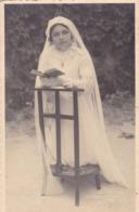 37. LIGUEIL . PHOTO  STUDIO DEVAUX . COMMUNIANTE. ANNEE 1942 - Personnes Anonymes