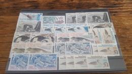 LOT 473602 TIMBRE DE COLONIE TAAF NEUF** LUXE  BLOC - Tierras Australes Y Antárticas Francesas (TAAF)