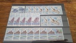 LOT 473612 TIMBRE DE COLONIE TAAF NEUF** LUXE  BLOC - Tierras Australes Y Antárticas Francesas (TAAF)