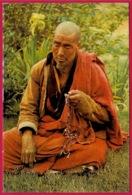 CPM Asia Bhoutan BHUTAN : A Lama In Deep Prayer - Bhoutan