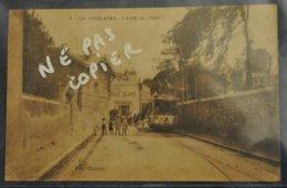 13 Bouches Du Rhone Les Aygalades L Arret Du Tram Tramway ( Petite Cornure Coin Bas Gauche ) Rare Cpa - Autres