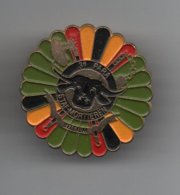 Pin's 3ème Bataillon Parachutiste-Etat-Major Mortiers Belgique, Dos Doré Lisse, Rare......BT14 - Militaria