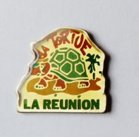 Pin's Tortue La Réunion  - ANIMAUX - Animales