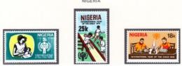 YEAR INTERN. OF CHILD - NIGERIA - Mi. Nr. 359/361 - NH - (6532-31.) - Nigeria (1961-...)