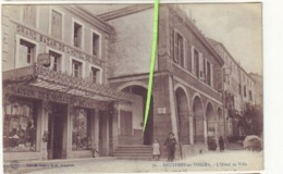L'hôtel De Ville) - Bruyeres