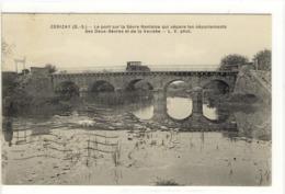 Carte Postale Ancienne Carizay - Le Pont Sur La Sèvre Nantaise Entre Les Deux Sèvres Et La Vendée - Cerizay