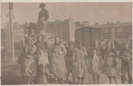 Granville 50  Carte Photo Tres Rare   Jamais Vue Sur Delcampe  Femmes  Chargement  Morues Pour La Secherie Photo DENISET - Granville