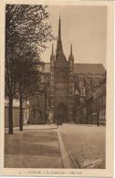 AMIENS - La Cathédrale - Voiture : Ancienne - Amiens