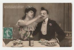 Fantaisie Couple à Table Avec Bouteille De Champagne Et Petits Gâteaux En 1909 Vous Saurez Ma Pensée ... - Couples