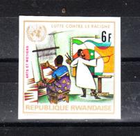 Rwanda  -  1972. Tessitore  E  Pittore. Weaver And Painter. Fresh Imperf. MNH - Altri