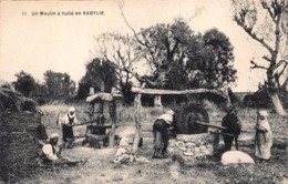 Algerije Tamurt En Leqbayel Of Tamurt Idurar   Un Moulin à Huile En Kabylie Kabylië      L 1458 - Professions