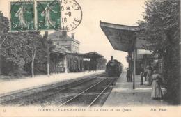 CPA 95 CORMEILLES EN PARISIS LA GARE ET LES QUAIS (TRAIN - Cormeilles En Parisis