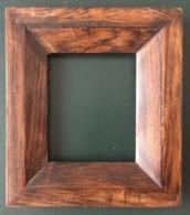 Petit Cadre Ancien En Bois Pour Encadrement 8,5x10 Cm - Other Collections