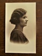 Oude Foto-- Postkaart Van  DAME  Door Fotograaf  B . WILLEMSEN  AALST - Personnes Identifiées