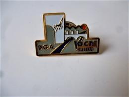 PINS MILITARIA  DGA-DCN RUELLE, DIRECTION GÉNÉRALE ARMEMENT,  DÉFENSE NAVALE / NEUF  Base Doré   / 33NAT - Militaria