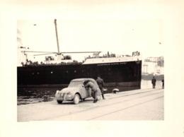 Lot De 6 Photographies : ALGER En 1962 - Embarquement Des Troupes Militaires Paquebot Gouverneur Général CHANZY & 2cv - Guerre, Militaire