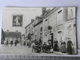 72 SARTHE - Saint Jean Des Echelles - Place De L'église - Agrandissement De Carte Postale - Photos