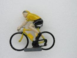 204 - Figurine Coureur Cycliste En Métal - Maillot Jaune - Supermarché Champion - Other