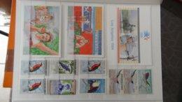 Collection Blocs Et Timbres ** De Différents Pays Dont Maroc, Tunisie, Algérie Et Autres  Très Sympa !!! - Briefmarken