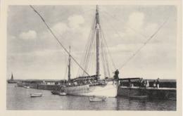 Bv - Cpa St PIERRE De QUIBERON - Port Et Débarcadère (Thonnier De Groix LGX 3714) - Quiberon