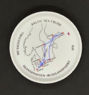 Cendrier Porcelaine Rosenthal. Paquebot MS Sagafjord. Baltic Sea Cruise. 1974. Skandinavien-Russlandfahrt. - Porselein
