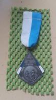 Medaille :Netherlands  -  Medaille - 1 E Prijs 1970 - Voetbal / Soccer / Le Foot -   Medal - Walking Association - Nederland