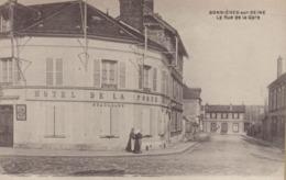 Bonnieres Sur Seine : La Rue De La Gare - Bonnieres Sur Seine