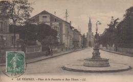 Le Vésinet : Place De La Fontaine Et Rue Thiers - Le Vésinet