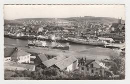 76 Fécamp N°259.65 Le Port Et La Ville En 1960 Bateaux Cargo Voies Ferrées Wagons Hôtel De La Poste - Fécamp