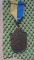 Medaille :Netherlands  - Medaille -Üleboerdtocht K.d.o * L.w.u Wirdum - Leeuwarden - Medal - Walking Association - Nederland