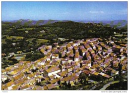 Carte Postale 83. La Garde Freinet  Vue D'avion Trés Beau Plan - La Garde Freinet