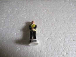 Fève Série Tintin 2011 - Nestor. - Strip