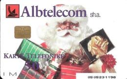 CARTE-PUCE-ALBANIE- 2002-ALBTELECOM-PERE NOELet Ses CADEAUX-TBE-TRES RARE - Kerstmis