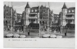 VUE STEREOSCOPIQUES - TROUVILLE - N° 15 - LA RUE DE PARIS ANIMEE - CPA NON VOYAGEE - 14 - Cartes Stéréoscopiques