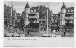 VUE STEREOSCOPIQUES - TROUVILLE - N° 15 - LA RUE DE PARIS ANIMEE - CPA NON VOYAGEE - 14 - Estereoscópicas