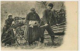 ILLOUD Les Tantaloches,3 AUX PROVISIONS D HIVER En Route Rarissime - Autres Communes
