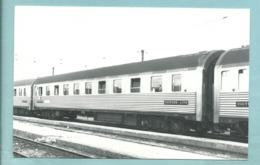 Train Grand Express Européen Voiture Lits En Gare De Villeneuve - 6/69 - Cliché Marc Dahlstrôm -9/14 Cm - Trenes