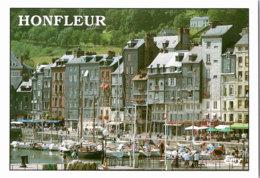 Kt 874 / Honfleur, Le Vieux Bassin Et Les Facades Typiques Du Quai Sainte-Catherine - Honfleur