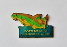 Pin's Société Bar Sienne De Pêcheurs à La Ligne - PECHE - R47 - Verenigingen