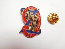 Beau Pin's , Armée Militaire , 9e Régiment De Zouaves , Chacals En Algérie Et Tigres à Verdun - Militaria