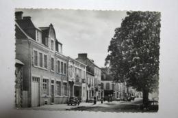 29 : Chateaulin - Le Quai De Brest ( Garage Renault ,  Voiture , Pompe Essence ) - Châteaulin