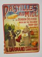 Pastilles Au Miel. Ce Bonbon Delicieux Mieux Que Tout Medicament... G. Darmand (Clermont Ferrand) Buvard 13 X 17,5 Cm. - Cake & Candy