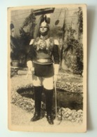 1941 ROMA  REALE  CARABINIERI  - CARABINIERE   CORAZZIERE IN UNIFORME FOTOCARTOLINA   MILITARE   FORMATO  PICCOLO - Uniformes