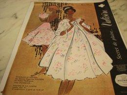 ANCIENNE PUBLICITE SECRET DE PLAIRE VALISERE 1961 - Vintage Clothes & Linen