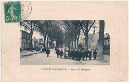 Cpa 17 Tonnay-Charente Route De Rochefort Animée - Other Municipalities