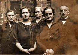 Amusante Photo Originale Portrait De La Famille Sourire Ou Pas ! 1920/30 - Persone Anonimi