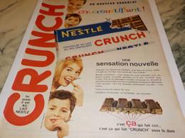 ANCIENNE PUBLICITE CHOCOLAT CRUNCH DE NESTLE 1961 - Posters