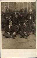 Cp Villejuif Val De Marne, Groupe De Soldats Blessés, Infirme En Tricycle - France